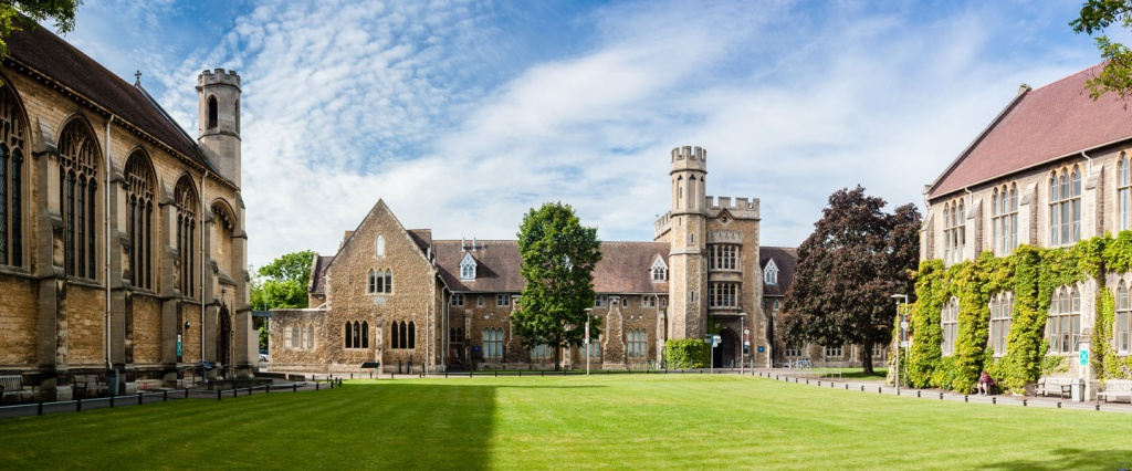 GLOUSTERSHIRE UNI.jpg