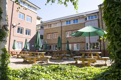 Outdoor seating area Varsity Cambridge.jpg