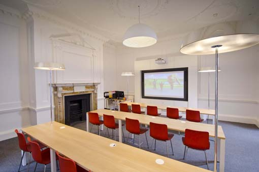 CATS College London Classroom 6.jpg